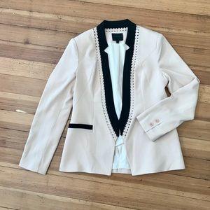 Aryn K open blazer, size (L). NWOT.